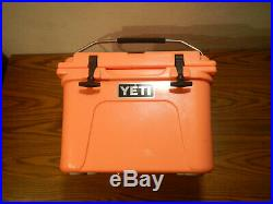 Yeti Roadie 20 Cooler coral Limited Edition