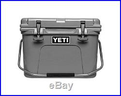 Yeti Roadie 20 QT Cooler in Charcoal with YETI COLSTER