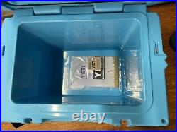 Yeti Roadie 20 Reef Blue Cooler Limited Edition Color NEW DISCONTINUED WithHANDLE