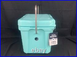 Yeti Roadie 20 Seafoam Cooler New and Unregistered. Discontinued Color