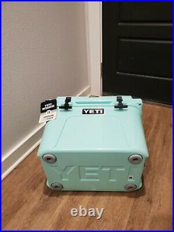 Yeti Roadie 20 Seafoam Green cooler DISCONTINUED! RARE NWT