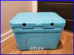 Yeti Tundra 35 Cooler Reef Blue Limited Edition