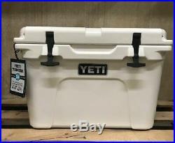 Yeti Tundra 35 quart Cooler Ice Chest - White -