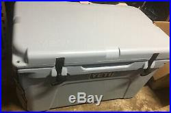 Yeti Tundra 45 Cooler Ice Chest Ice Blue Brand new with Tags