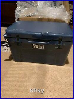 Yeti Tundra 45 Hard Cooler Navy New 100%