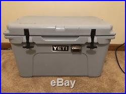 Yeti Tundra 45 QT Cooler Seafoam Green LIMITED EDITION Bottle Opener Attached