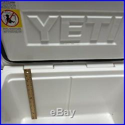 Yeti White 45 tundra Cooler