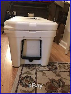 Yeti tundra 45 cooler With SC PALMETTO AND MOON